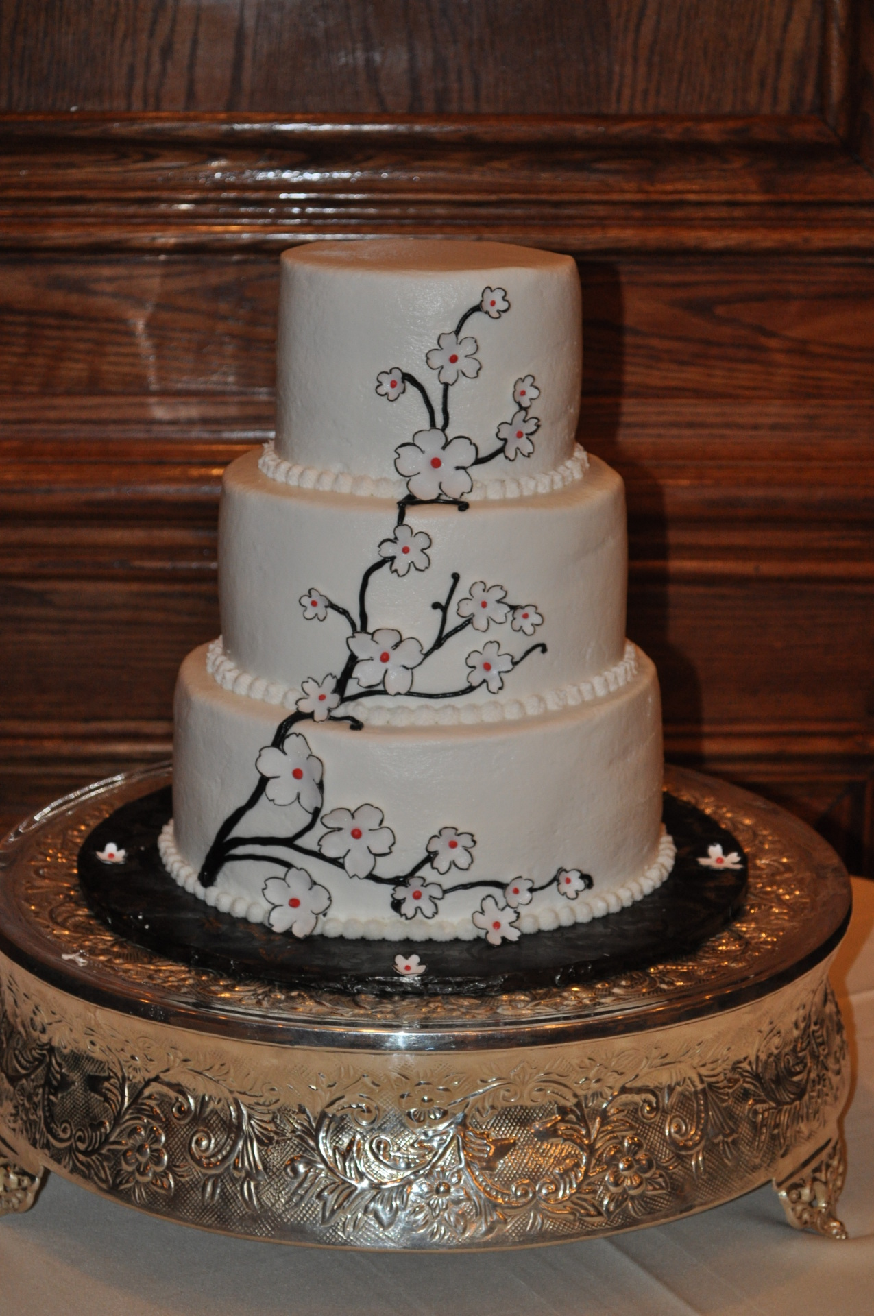 Simple 3 tiers with black and white cutout flowers