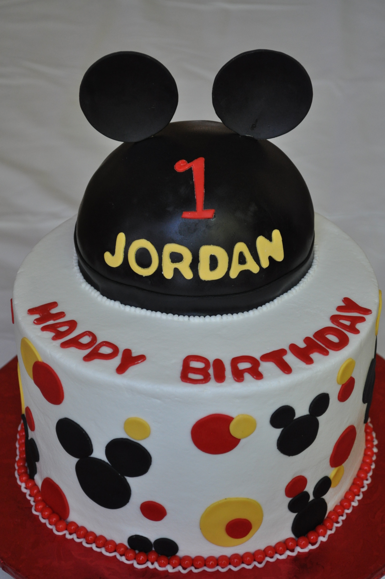 Mickey mouse and hat cake