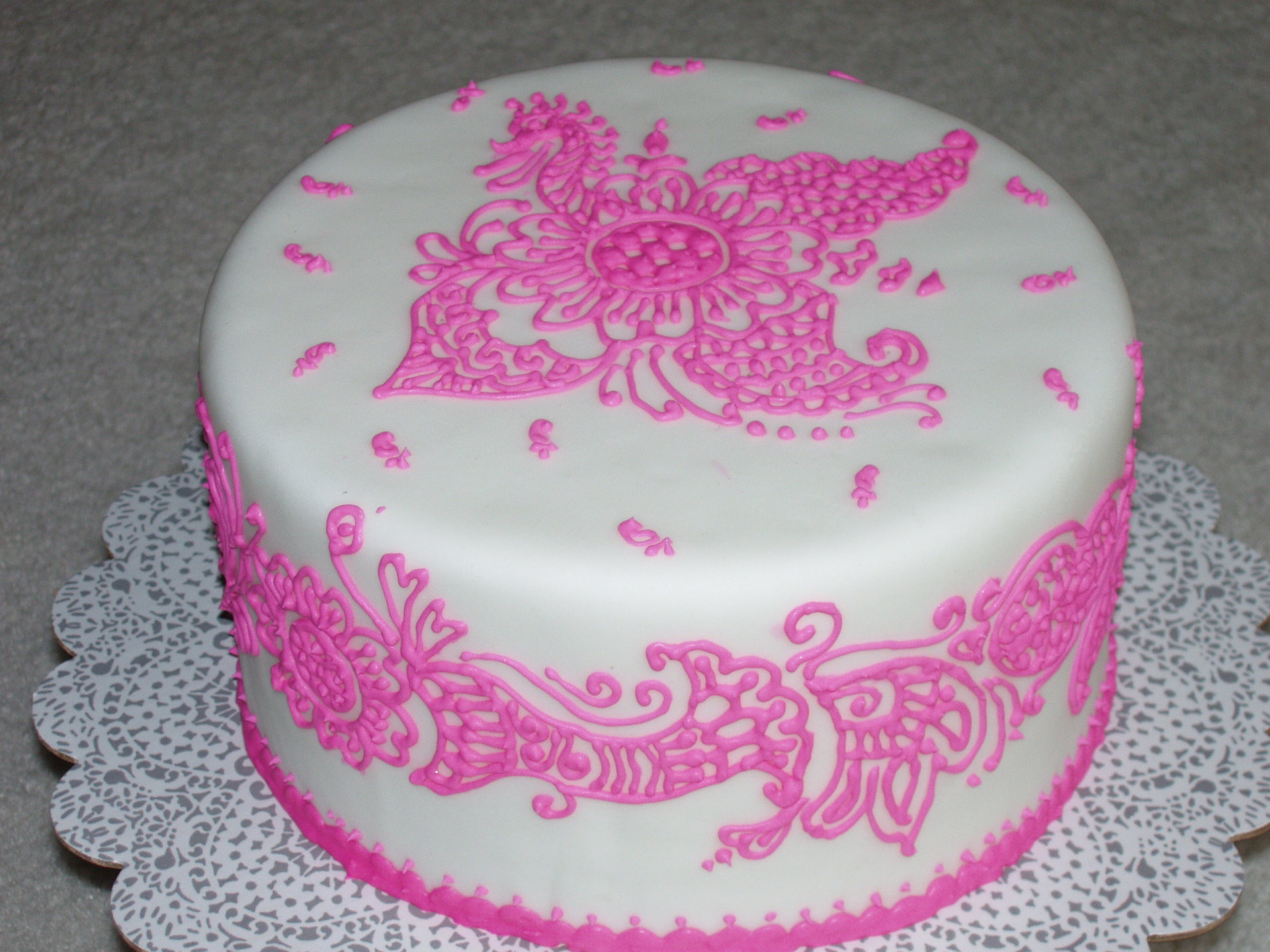 Pink henna fondant cake