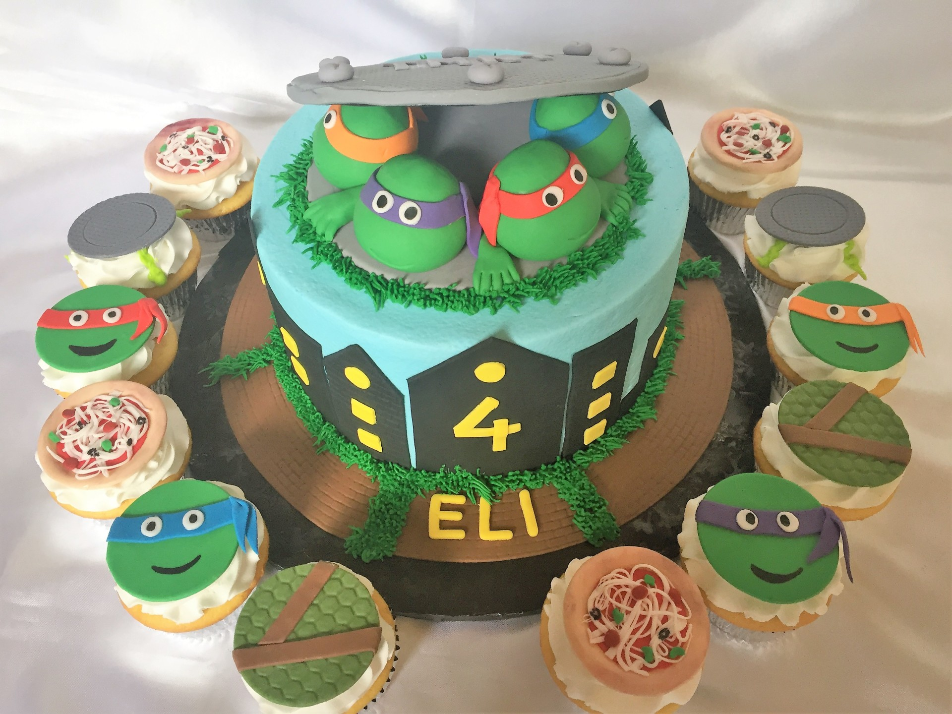 TMNT with cupcakes