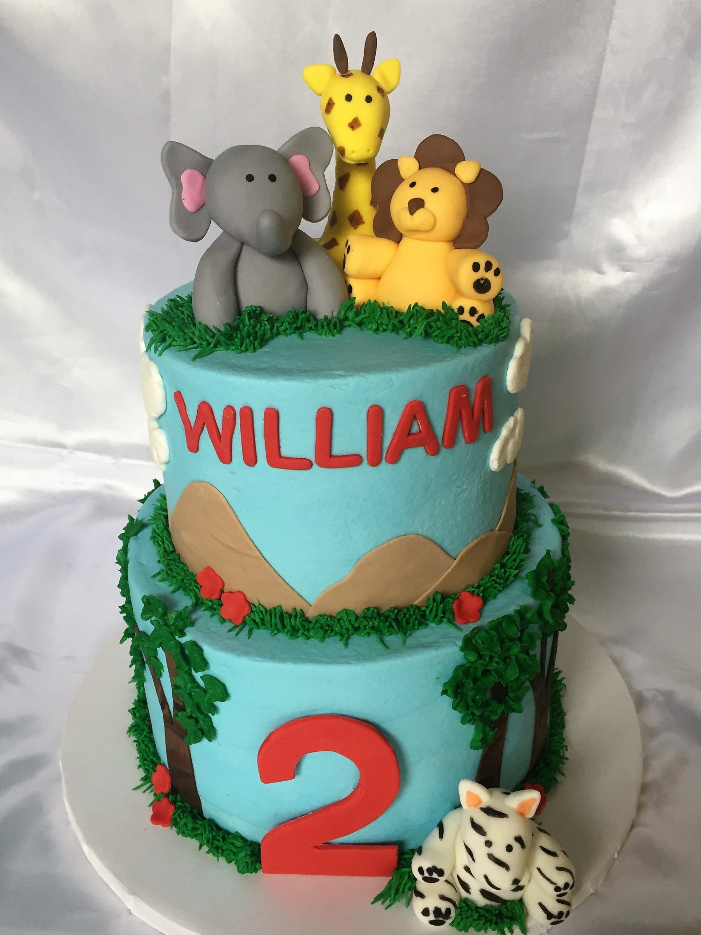Safari birthday with fondant animals