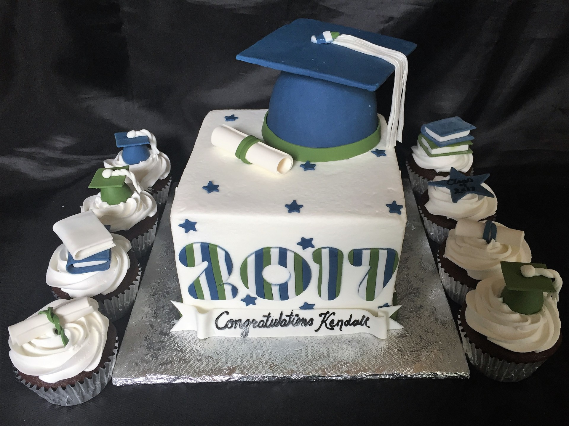 Navy and forest forest green grad cake and cupcakes