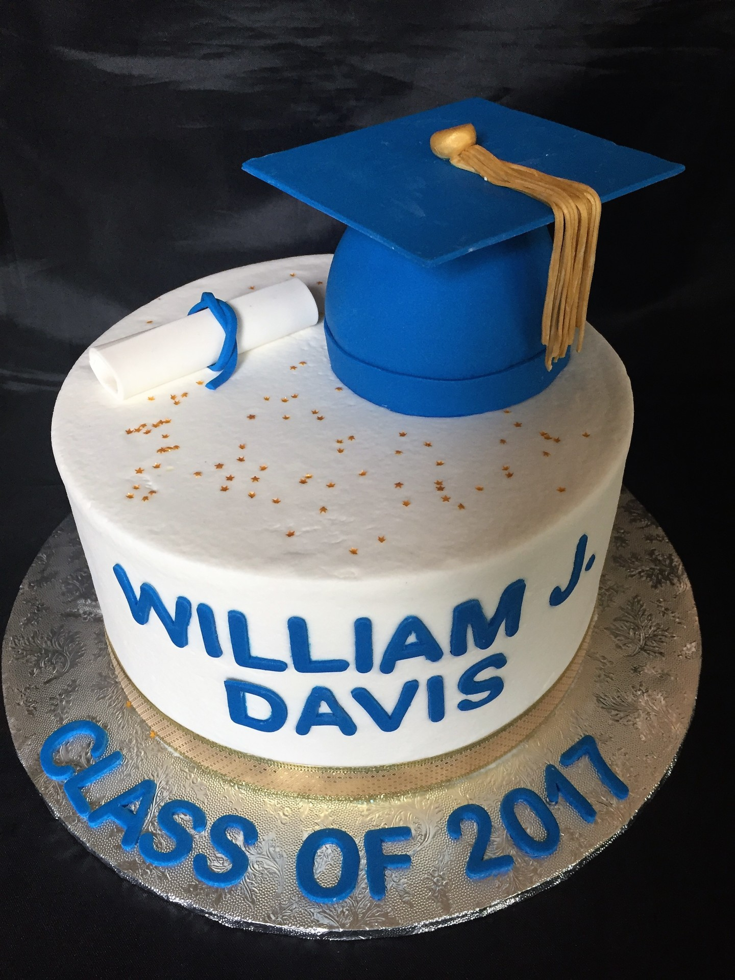 Grad hat round with blue accents