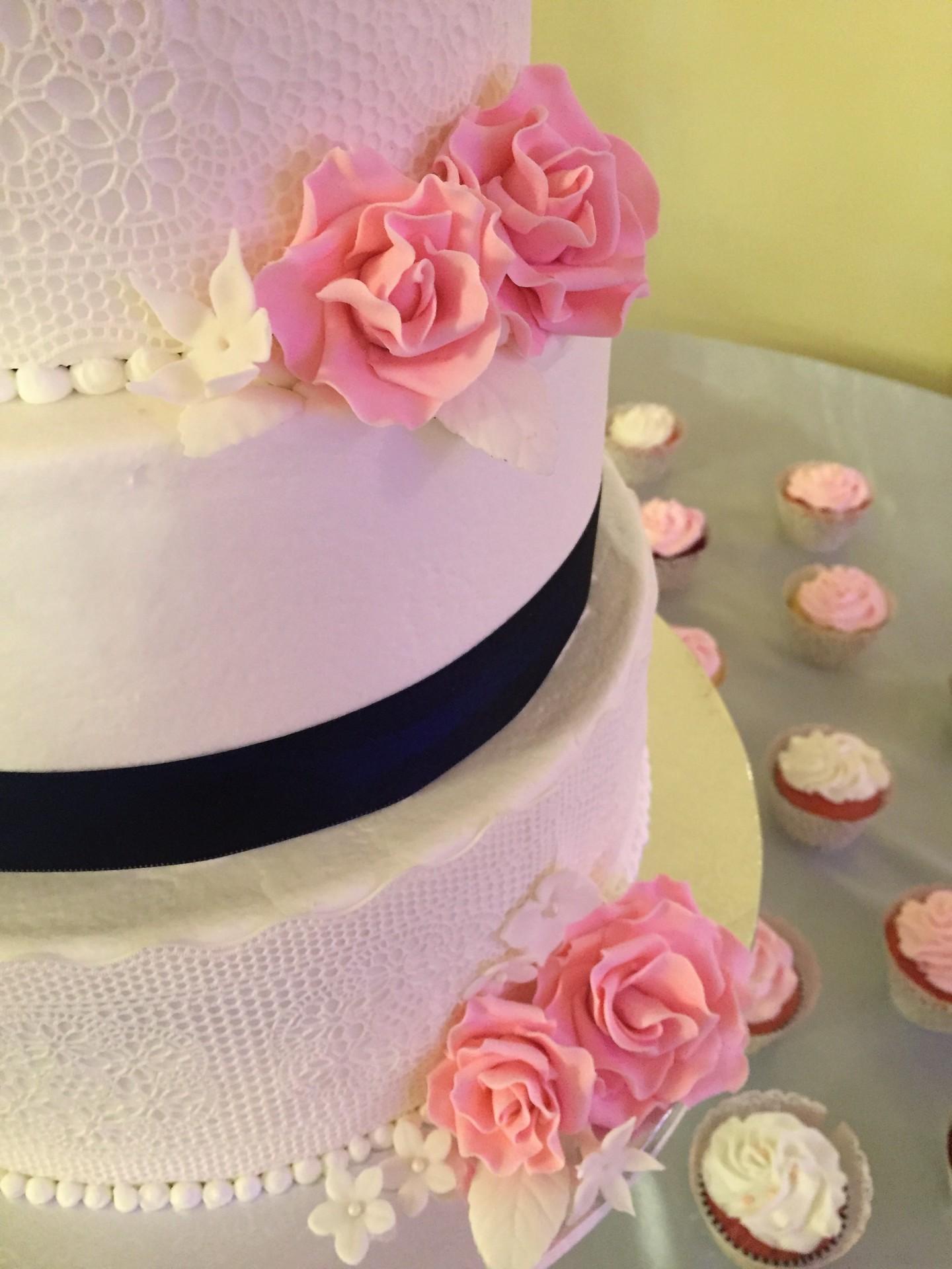 Edible lace and sugar roses