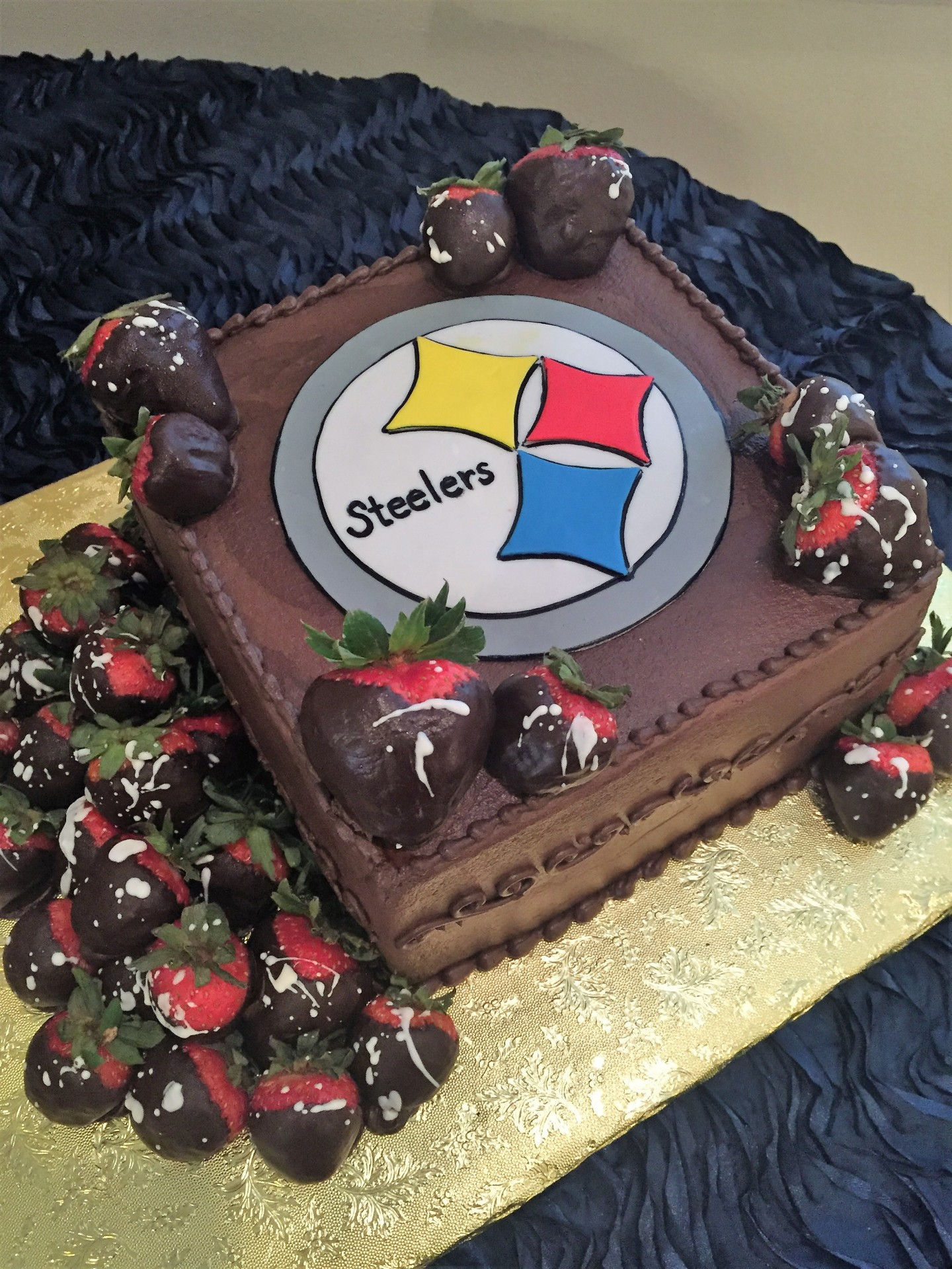 Steelers Chocolate with Chocolate Strawberries