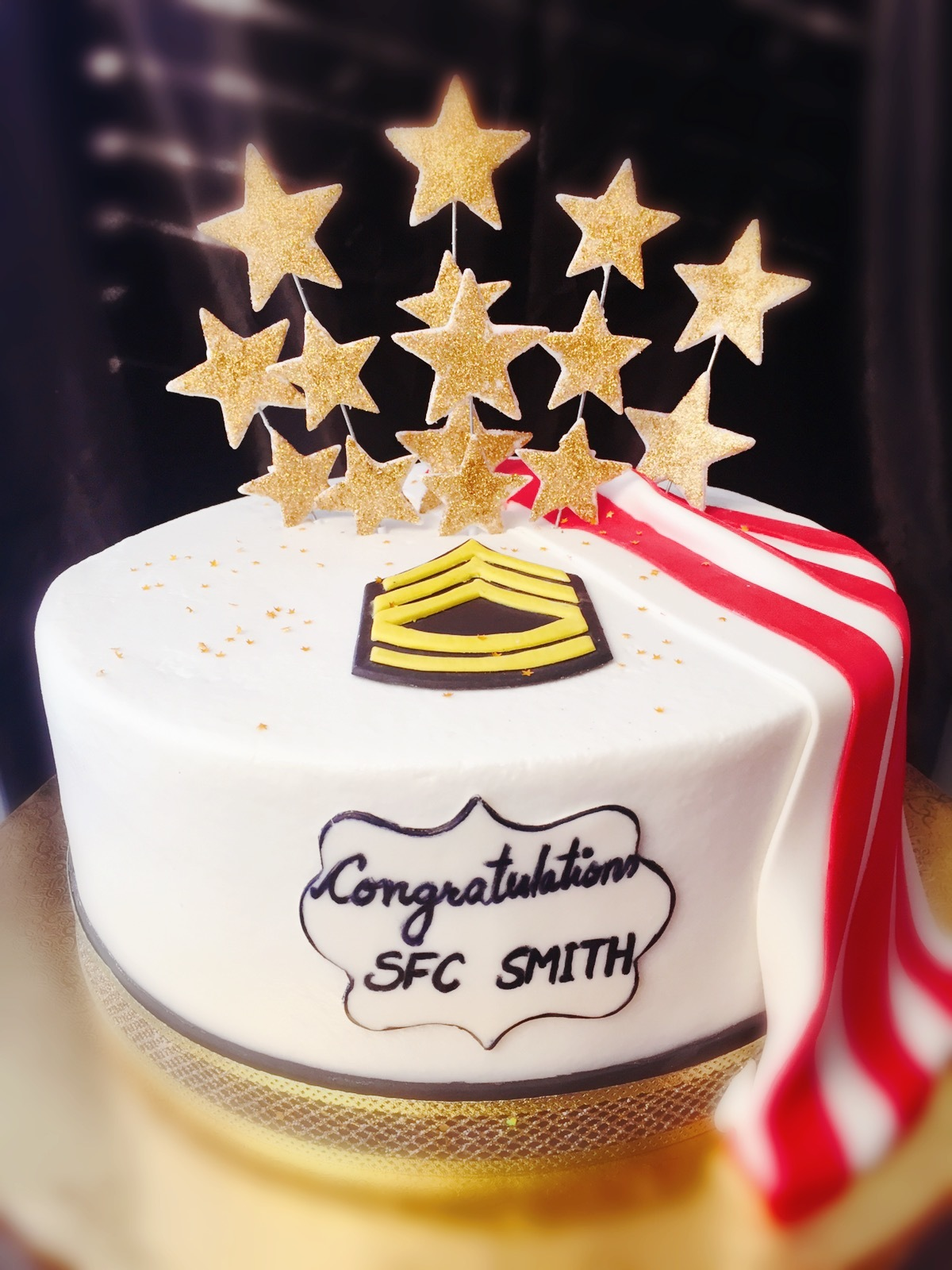 Promotion-buttercream with fondant flag