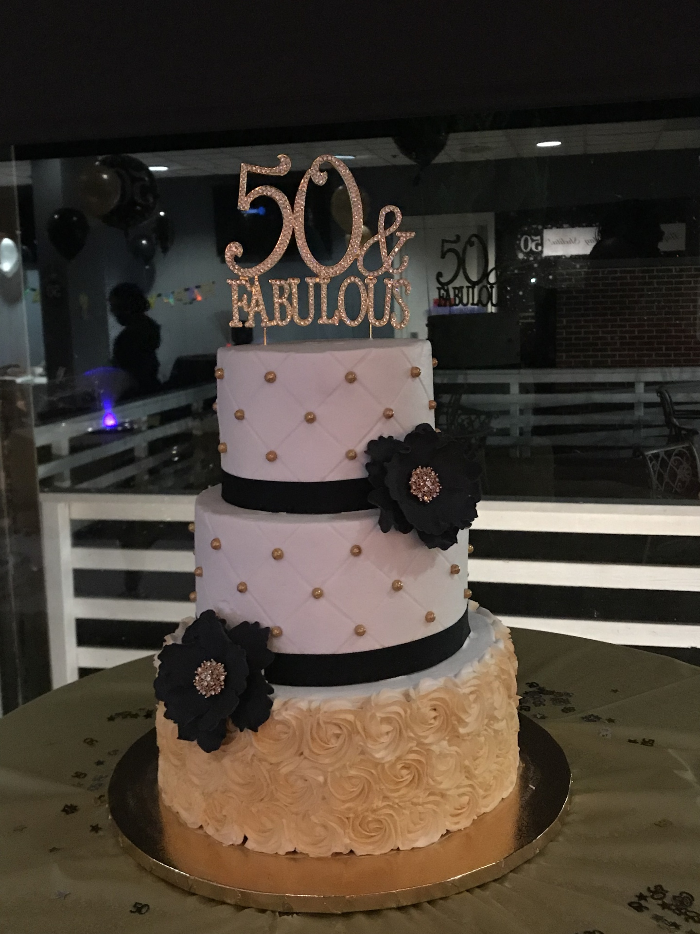 Tiered 50th gold black and white