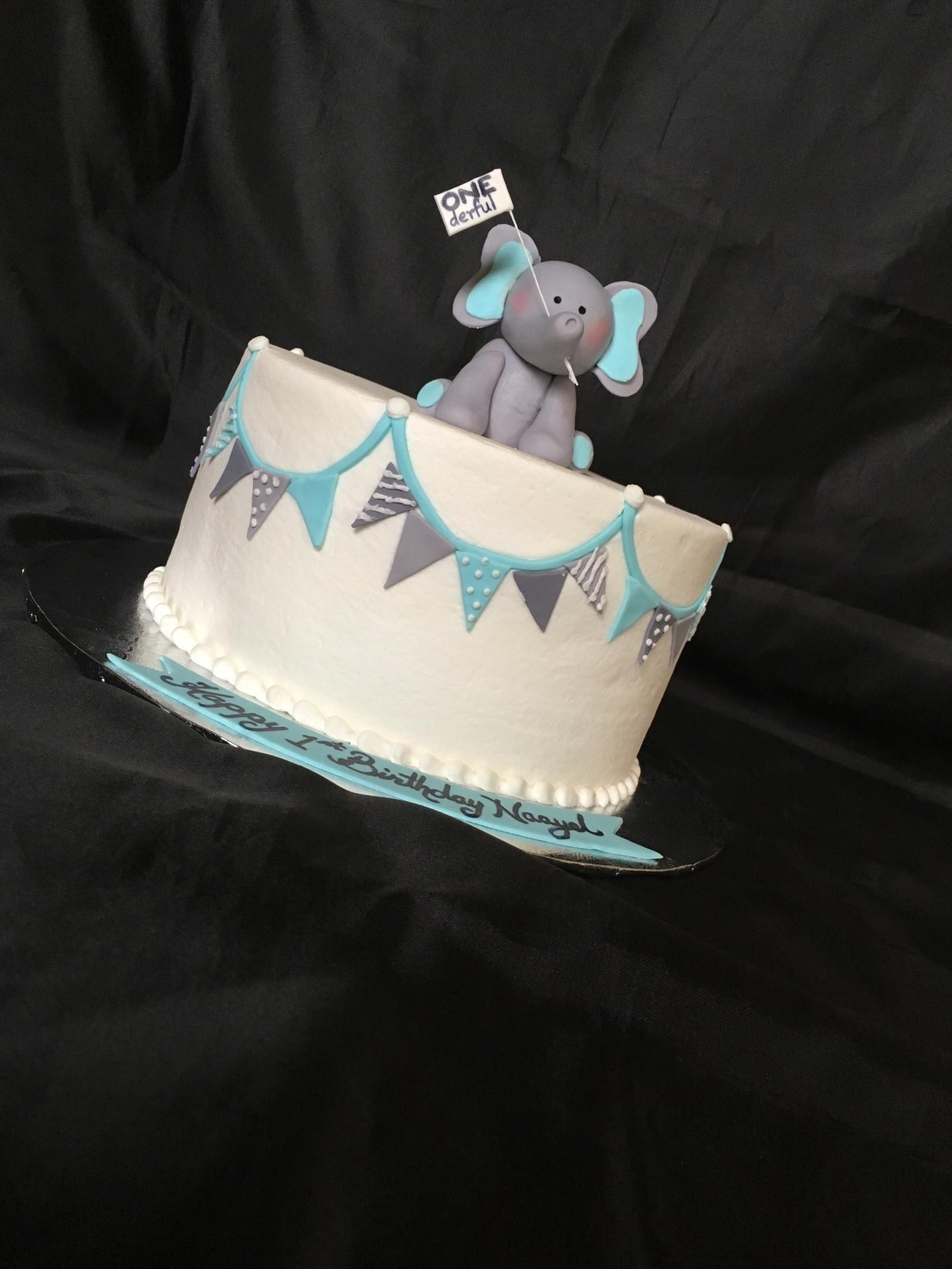 Fondant elephant topper 1st birthday