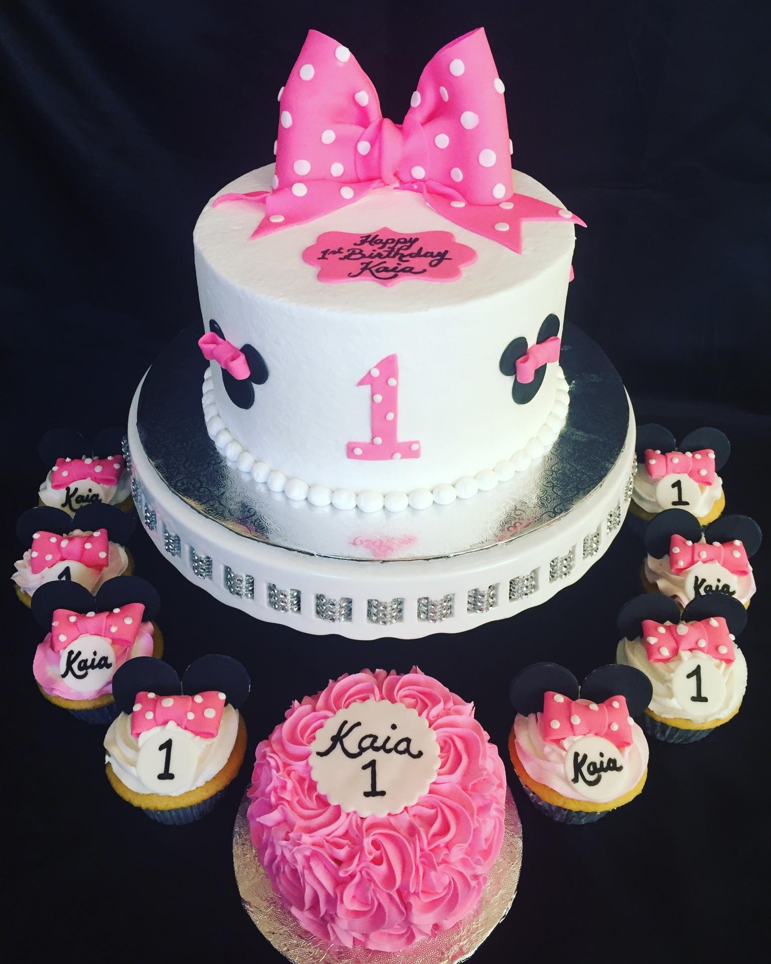 Minnie cake,smash and cupcakes