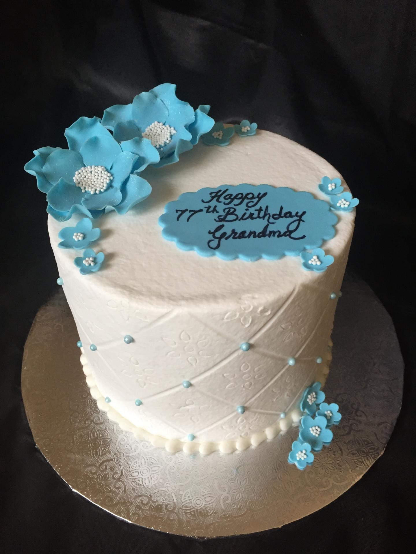 A simple birthday blue sugar flowers