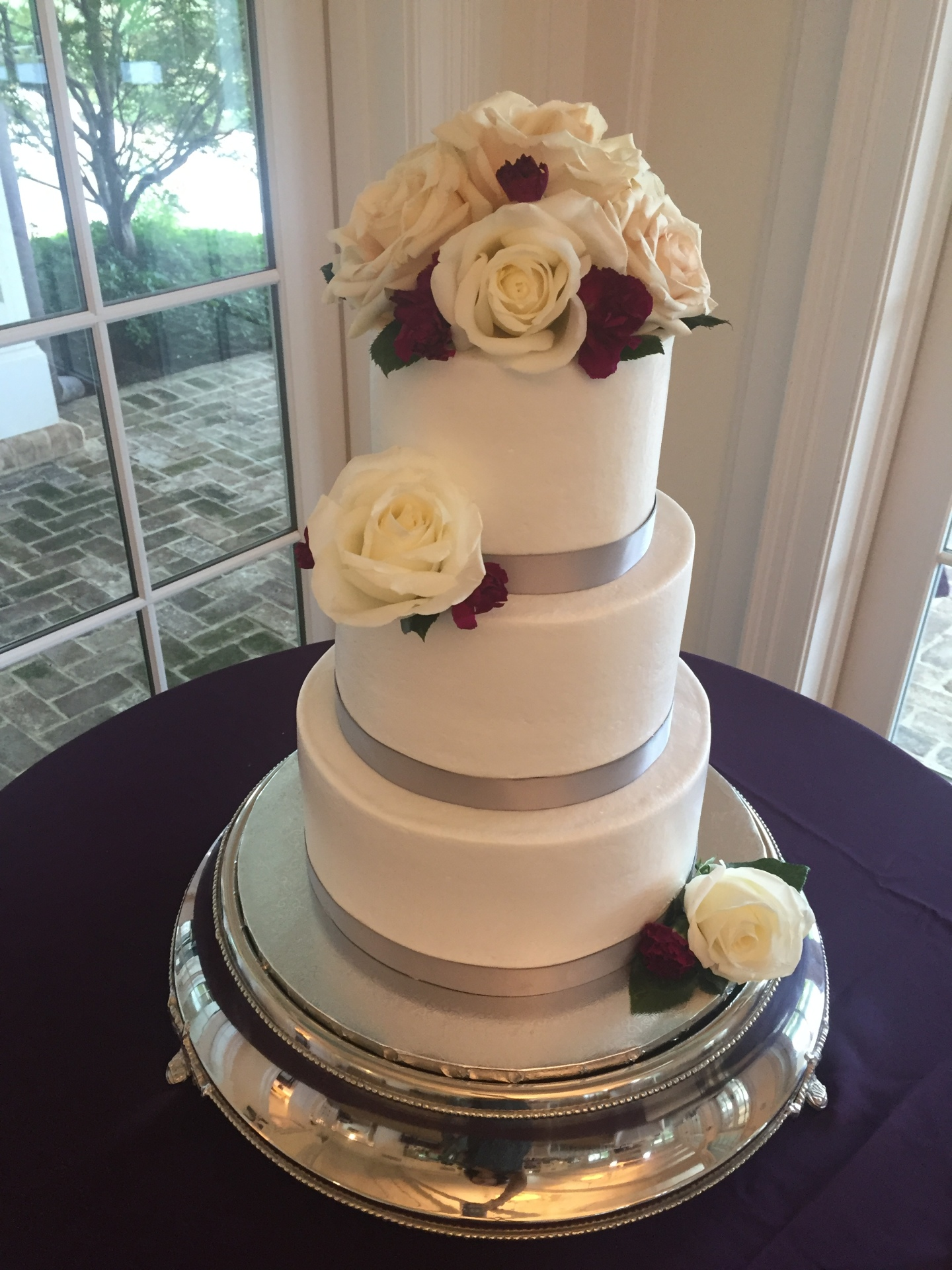 Simple buttercream and fresh flowers