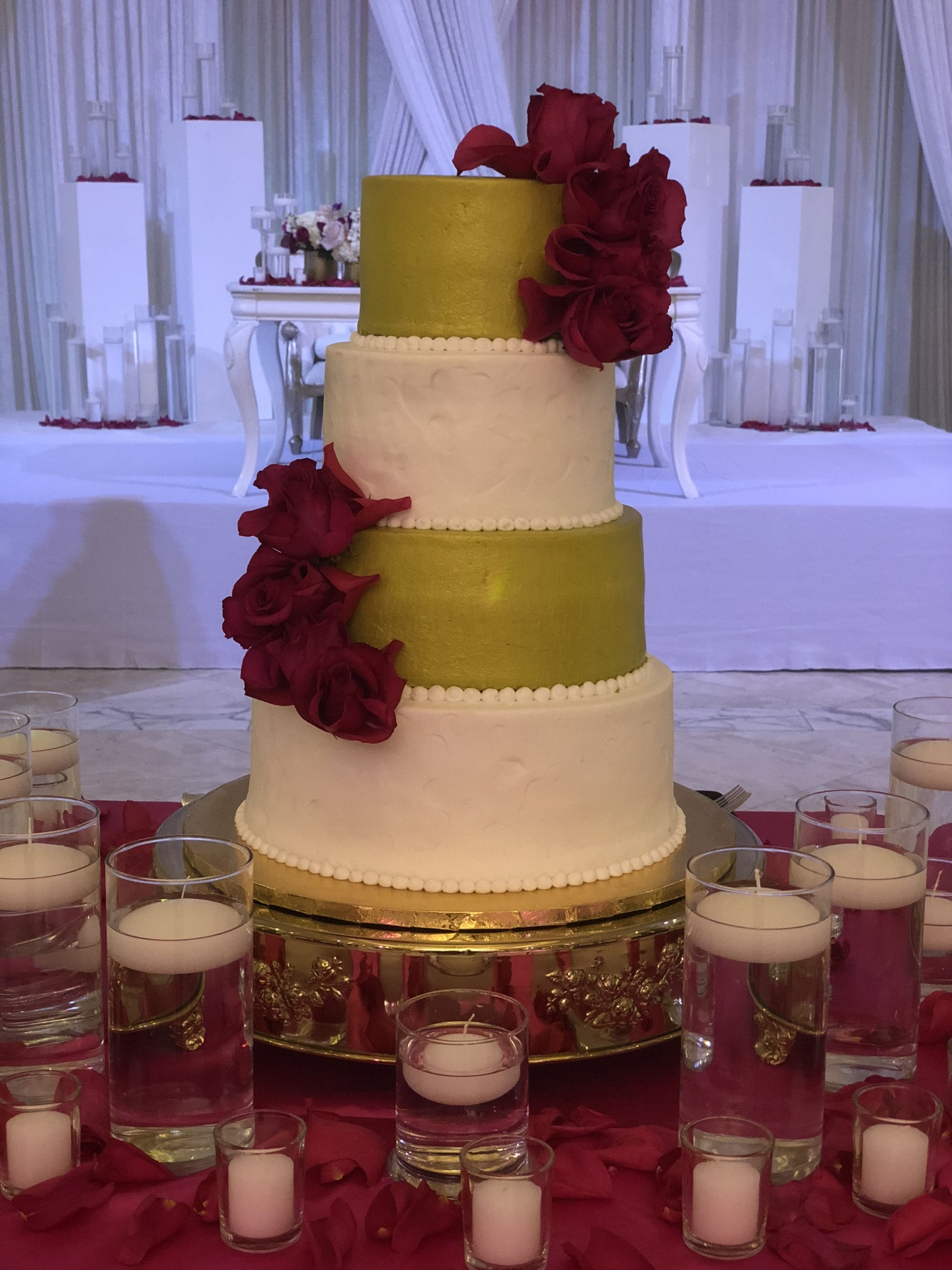 Gold buttercream with fresh roses