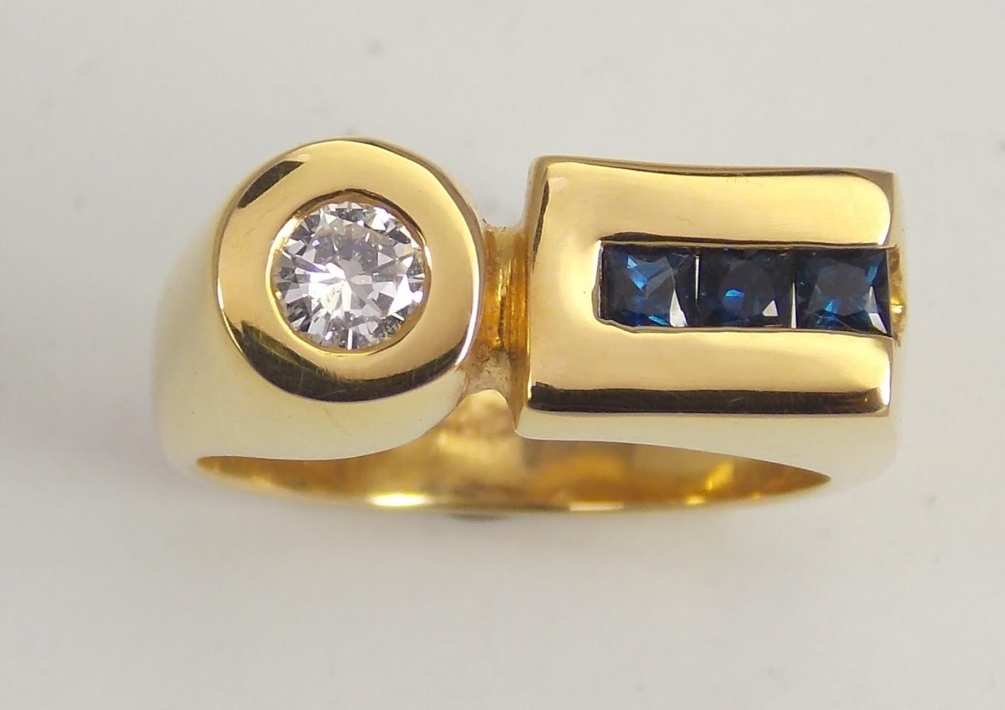 Sapphire and Diamond Yellow Gold Ring