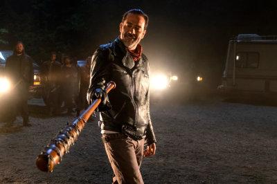 The Walking Dead S7 Mid-Season Premiere Trailer