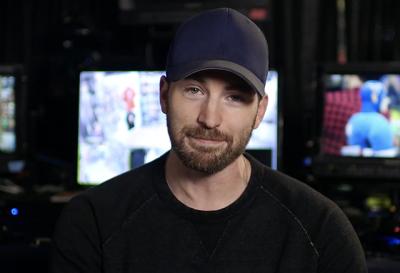 Chris Evans Pranks Comic Fans with a Surprise Escape Room
