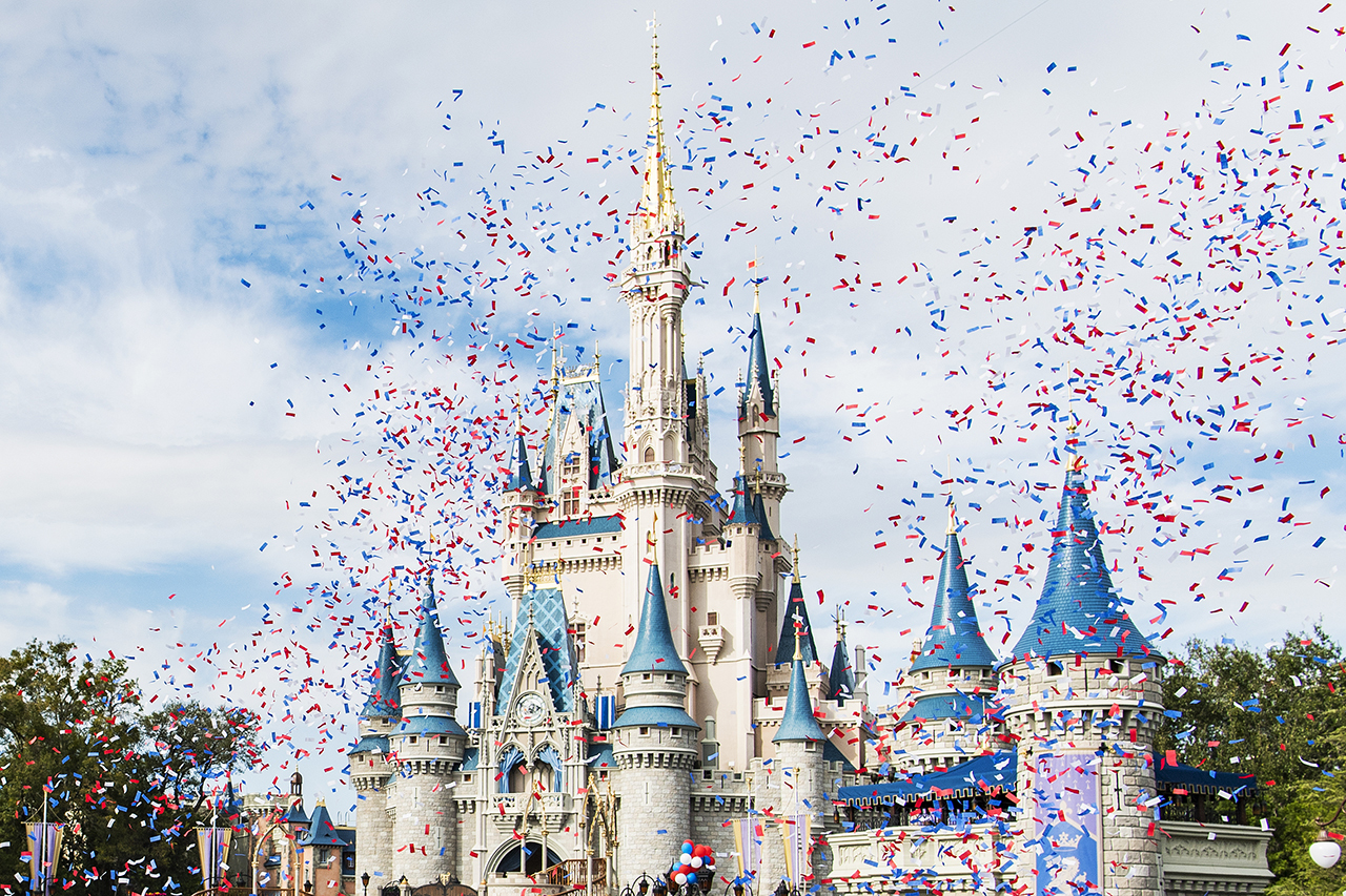"""Super Bowl Champs NE Patriots RB James White is """"Going to Disney World!"""" Today"""