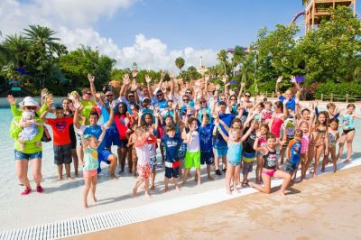 World's Largest Swimming Lesson held at Aquatica