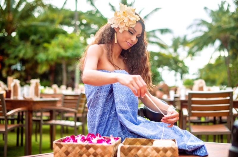 Hawaiian Arts and Crafts at KA WA'A, a lu'au at Aulani