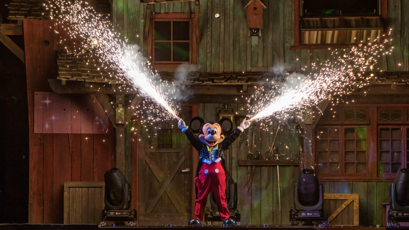 #DisneyParksLIVE to Stream 'Fantasmic!' Live from Disneyland, August 9