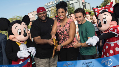 "Thousands Attend the ""American Idol"" Bus Tour at Disney Springs"