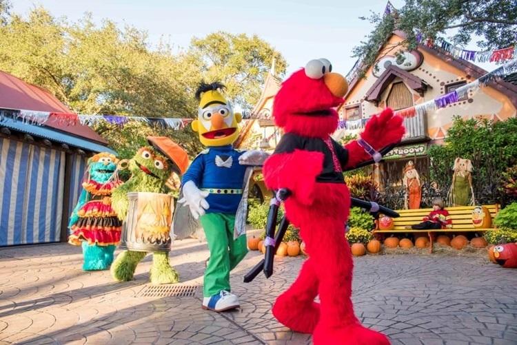 Five Reasons to Visit Sesame Street Safari of Fun Halloween Kids Weekends