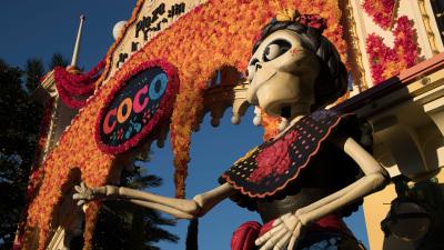Celebrate Family at Plaza de la Familia in Disney California Adventure