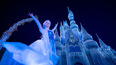 #DisneyParksLIVE Stream of 'A Frozen Holiday Wish' Castle Lighting November 9 at 8:10 p.m. EST
