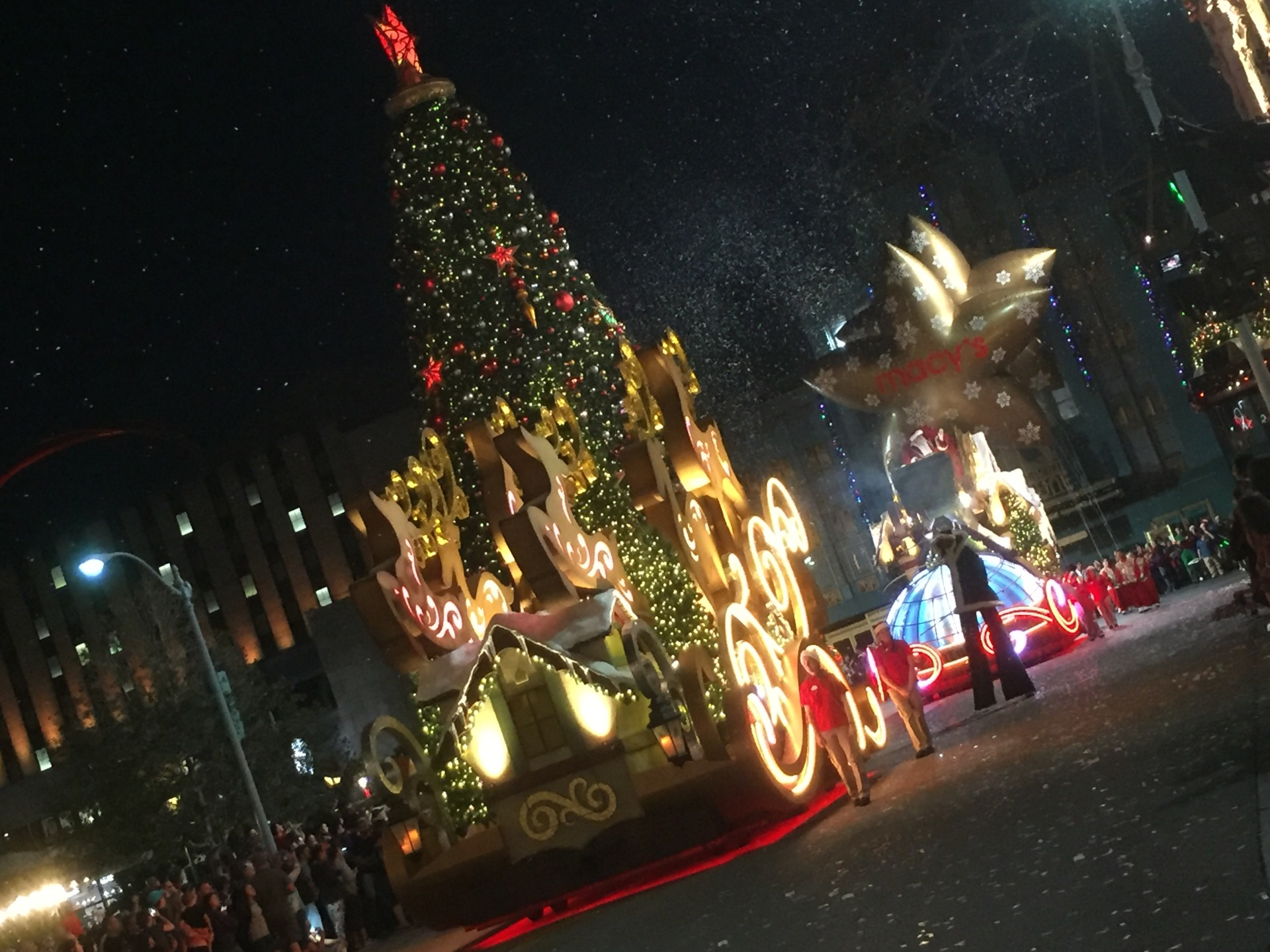New Universal's Holiday Parade 2017