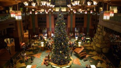 Six Ways to Celebrate the Holidays at the Hotels of the Disneyland Resort