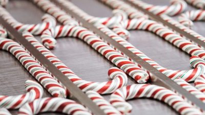 Hand-Pulled Candy Canes at Disneyland Resort