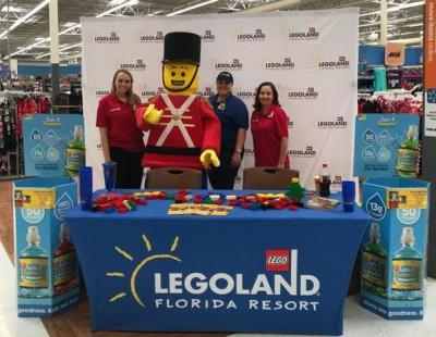 Donate a Walmart toy to Toys for Tots at LEGOLAND and kids get in FREE!