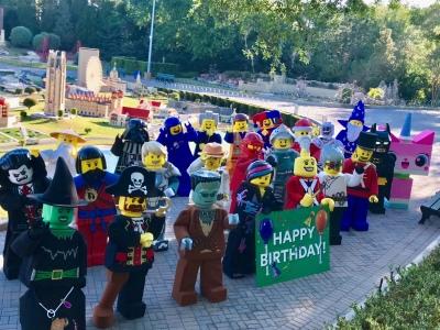 Happy 40th birthday to the LEGO Minfigures