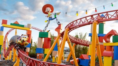 Slinky Dog Dash Video at Toy Story Land
