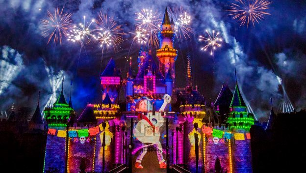 #DisneyParksLIVE Stream of 'A Pixar Nighttime Spectacular' from Disneyland, May 15