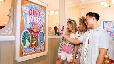 Play Disney Parks App Debuts at Disneyland Resort and Walt Disney World Resort on June 30