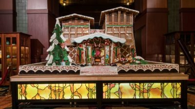 Seven Reasons to Stay at the Hotels of the Disneyland Resort This Holiday Season