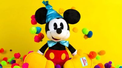 V.I.PASSHOLDER Pop-Up Event Offers First Access to Mickey's 90th Celebration Merchandise at Magic Ki