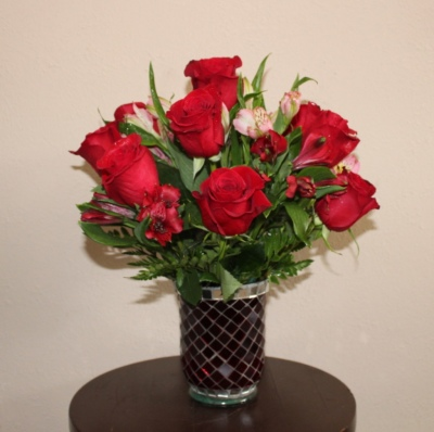 GP-179. 1 DZ RED ROSES IN GLASS VASE. 14 inches TALL