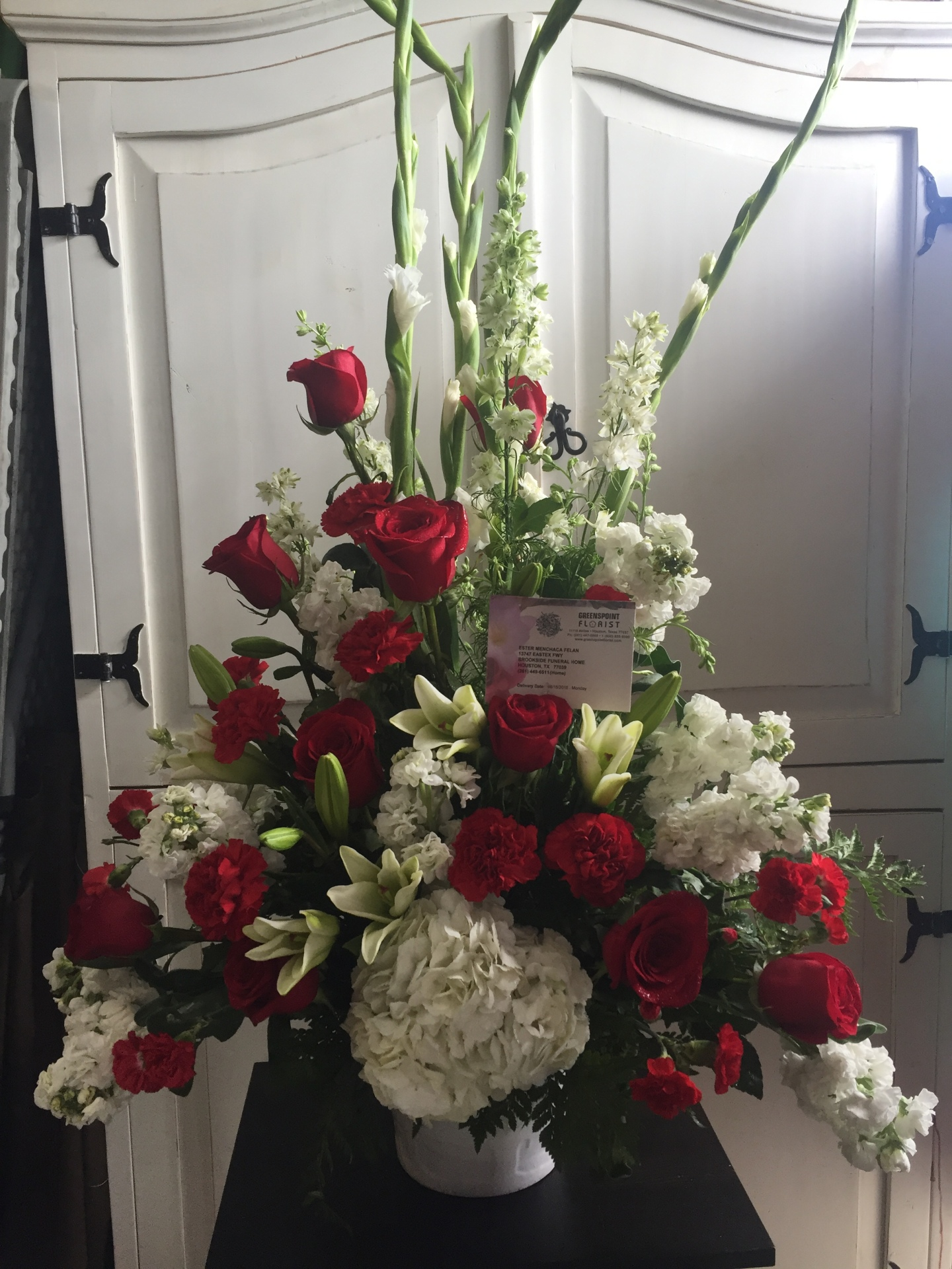GP-948.SYMPATHY ARRANGEMENT. $159.99