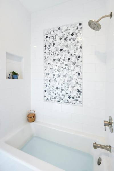 Bubble Mosaic: White Carrara Venatino, Grey Mist, White Thassos Marble