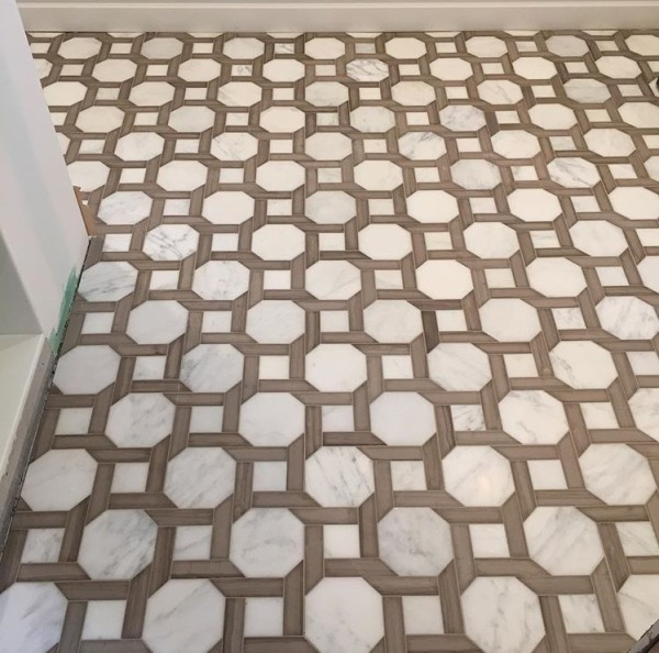 """<p style=""""font-size: 14px;"""">Cambridge 2. White Statuary Calacatta  6"""" Hexagon with 1.5 x 6"""" Brown Stratta Bars Honed Mosaic"""