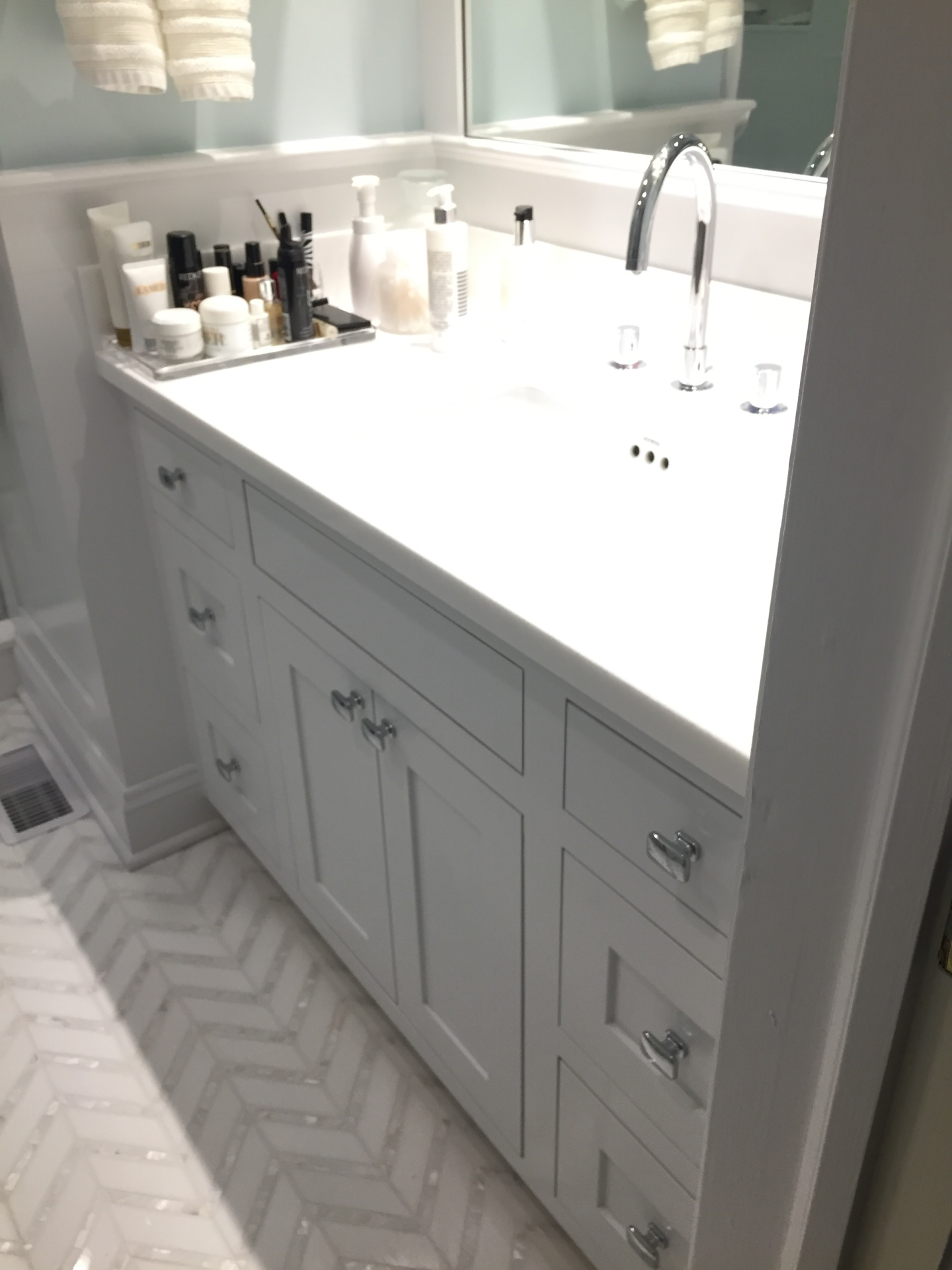 """<p style=""""font-size: 14px;"""">Chevron 2. White Thassos Marble 1-5/8 x 5"""" with Mother of Pearl 1/2 x 5"""" Lines Polished Mosaic"""