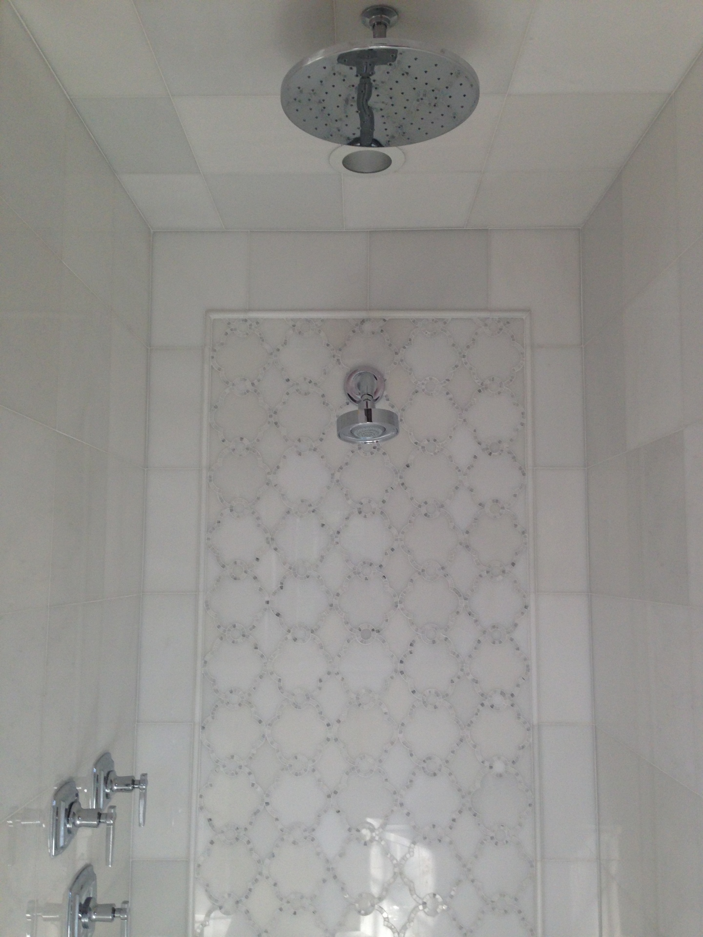 "WJ3: Pardis Waterjet & 12"" x 12"" White Silk Tile"