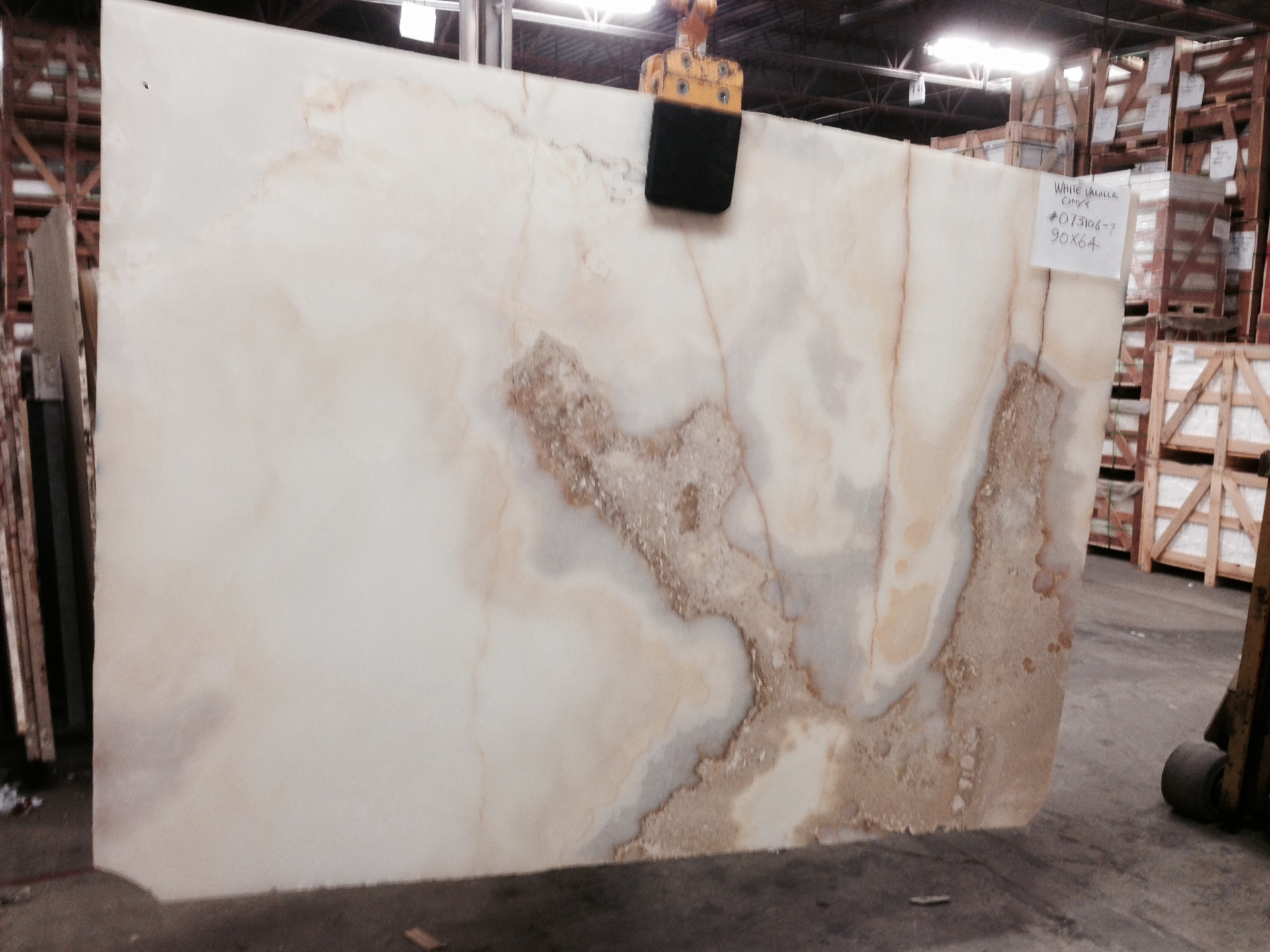 "White Persian Vanilla/Cloud 3/4"" Polished Onyx Slab Lot#073106"