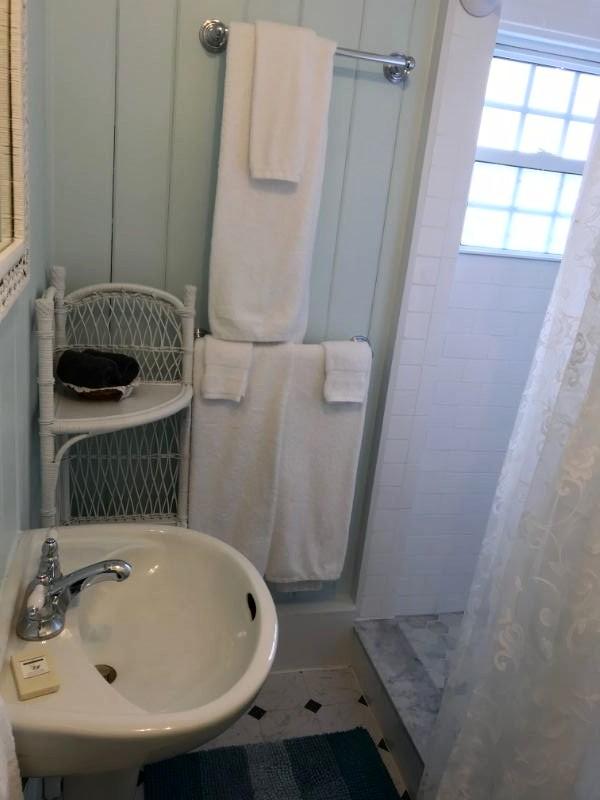 Room E Bathroom