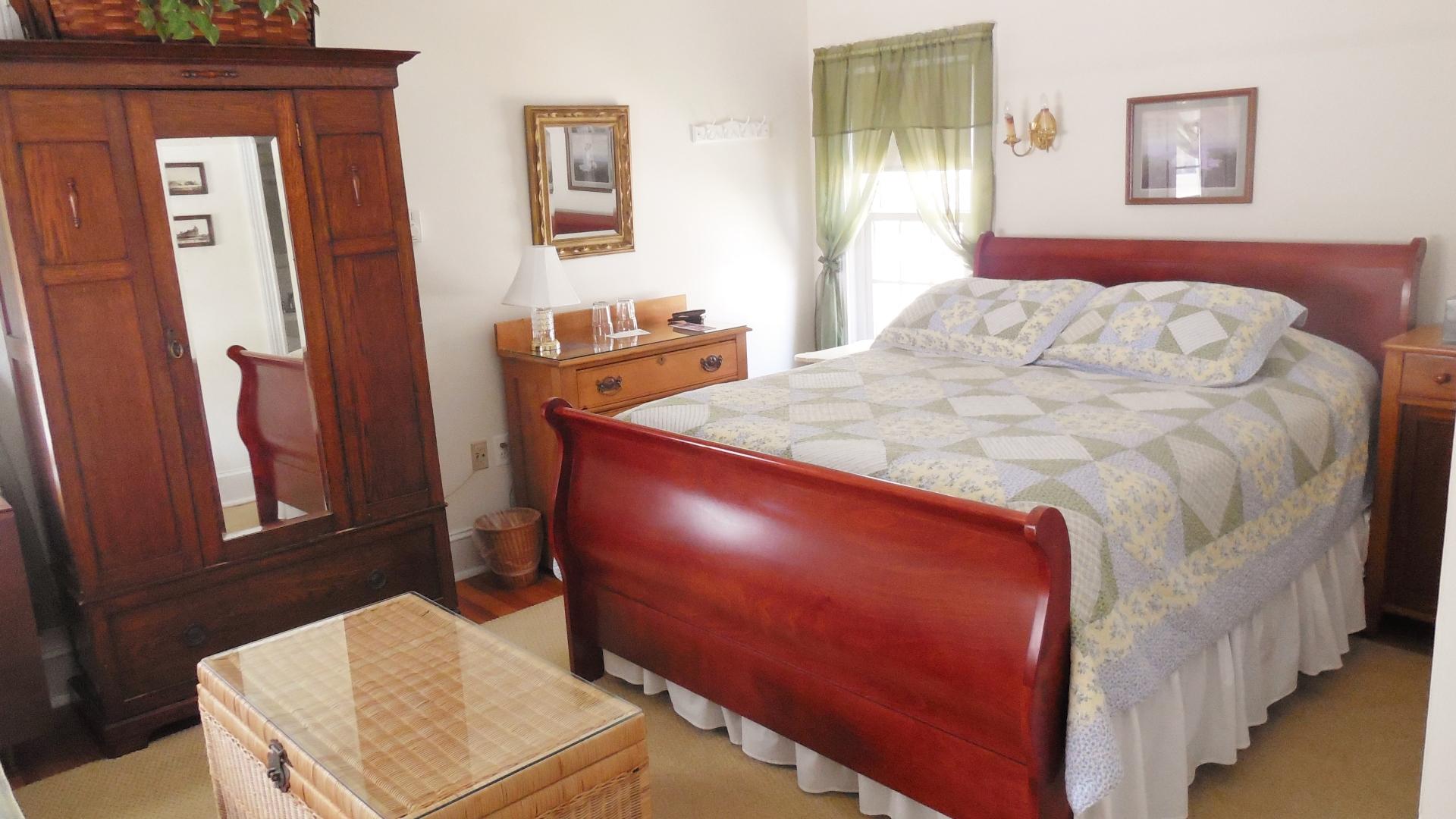 Room 9 Queen Bed, Armoire