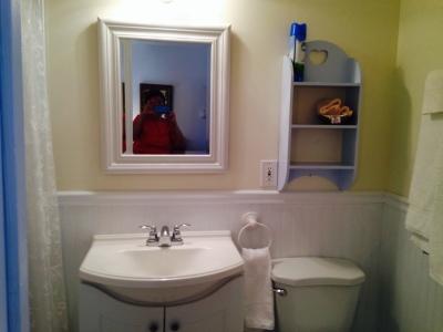 Room 9 Bathroom
