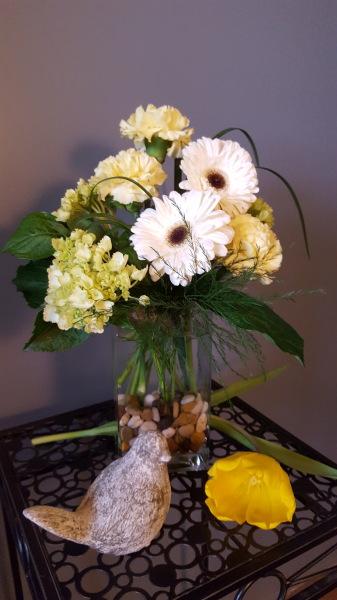38) Fresh with green hydrangeas and gerbera daisies!!