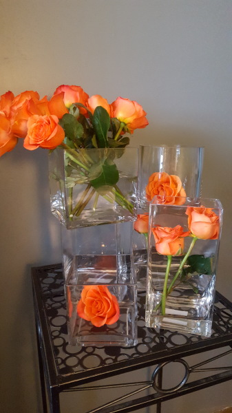 29) Glass chunky cube vases