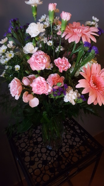 28) Mixed shade of pink fresh flowers